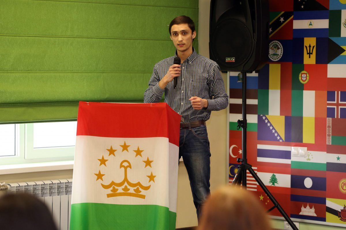 Таджикские студенты из Белгорода  познакомили россиян с богатой таджикской культурой ФОТО и ВИДЕО